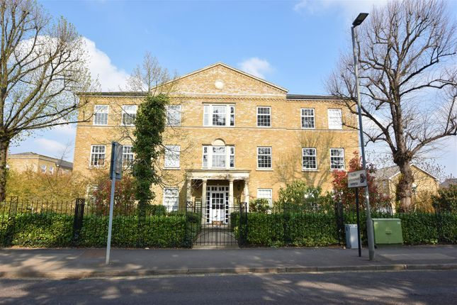 Thumbnail 2 bed flat to rent in Balaclava Road, Long Ditton, Surbiton