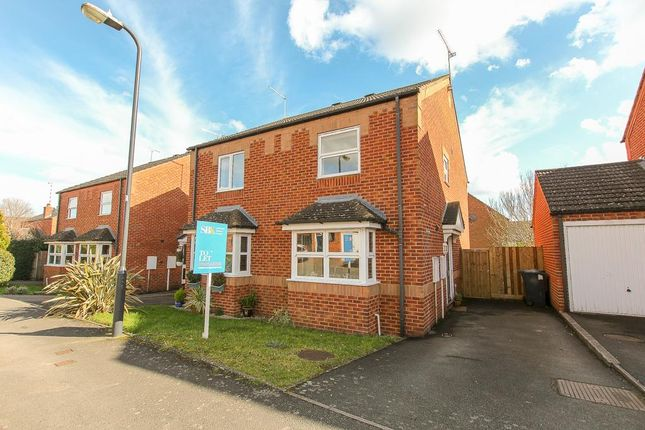 2 bed semi-detached house to rent in Villebon Way, Whitnash, Leamington Spa