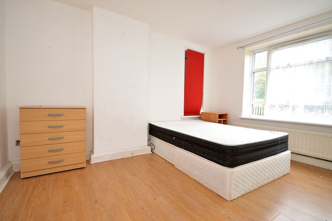 Thumbnail Flat to rent in Valley Grove, London
