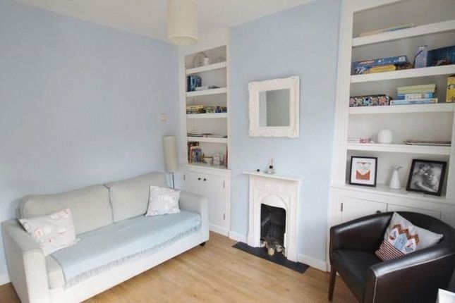Thumbnail Terraced house to rent in Albert Street, Cowes, Isle Of Wight