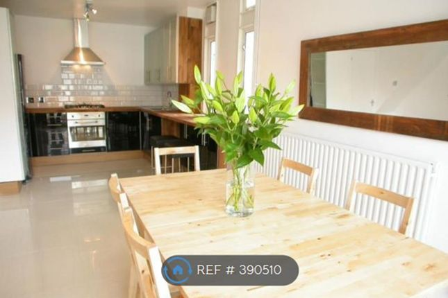 Thumbnail Flat to rent in Clapham Common, London