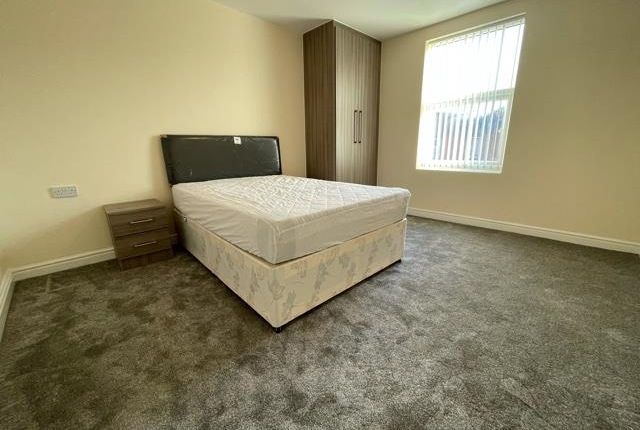 1 bed property to rent in Chester Road North, Kidderminster DY10