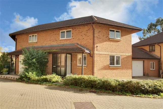3 bedroom semi-detached house for sale in Albury Court, Great Holm, Milton Keynes, Bucks