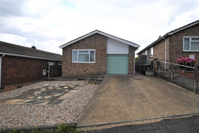 2 bed detached bungalow for sale in Rushmere Way, Rushden NN10