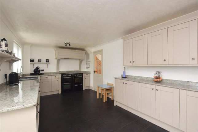 3 bedroom terraced house for sale in Elm Road, Aylesham, Canterbury, Kent