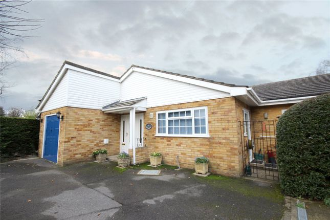 3 bed detached bungalow for sale in Cresta Drive, Woodham, Surrey
