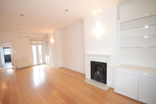 Thumbnail Terraced house to rent in Bexley Street, Windsor