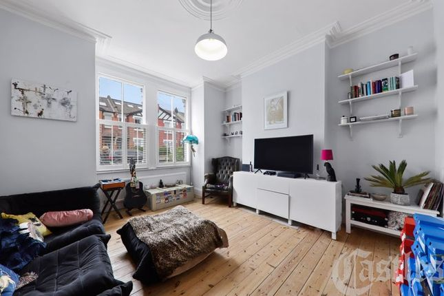 Flat for sale in Nightingale Lane, London