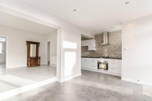 Thumbnail Property to rent in Lawrence Road, South Ealing