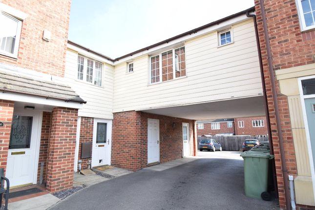 Thumbnail Flat to rent in Woodhead Close, Ossett