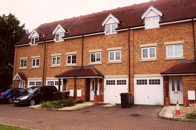 Thumbnail Property to rent in Watling Gardens, Dunstable