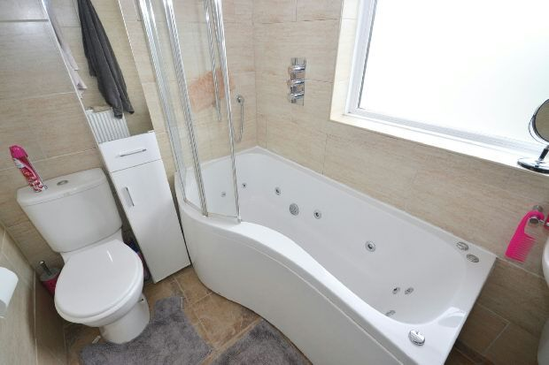 Bathroom of Maida Way, London E4