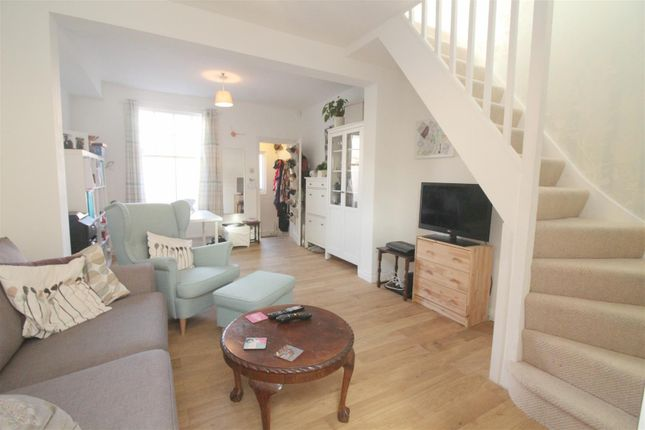 Thumbnail Property for sale in Farrant Avenue, London