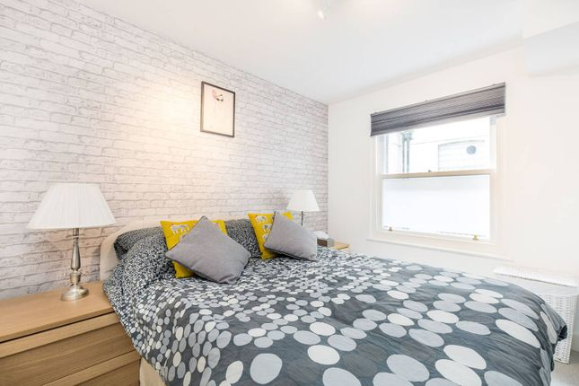 1 bed flat for sale in Pembridge Gardens, Notting Hill