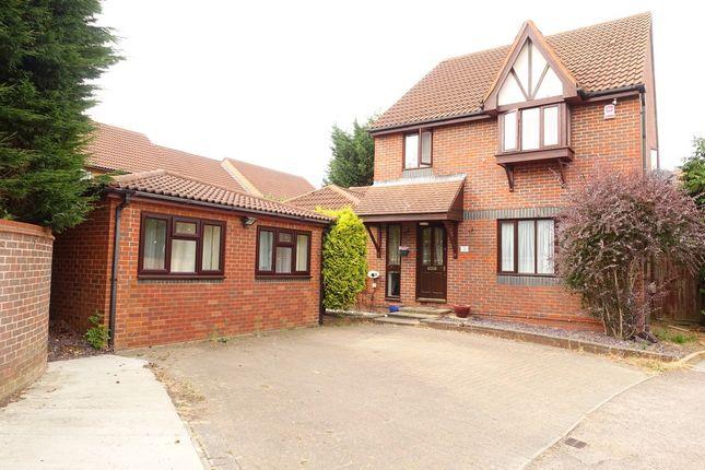 Thumbnail Detached house to rent in Luccombe, Furzton, Milton Keynes
