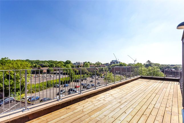 3-Bed Show Flat of Buckingham House East, Buckingham Parade, The Broadway, Stanmore HA7