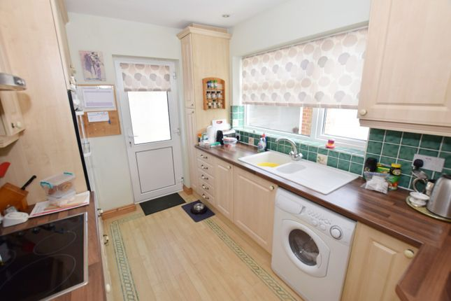 Kitchen Bungalow In East Wittering