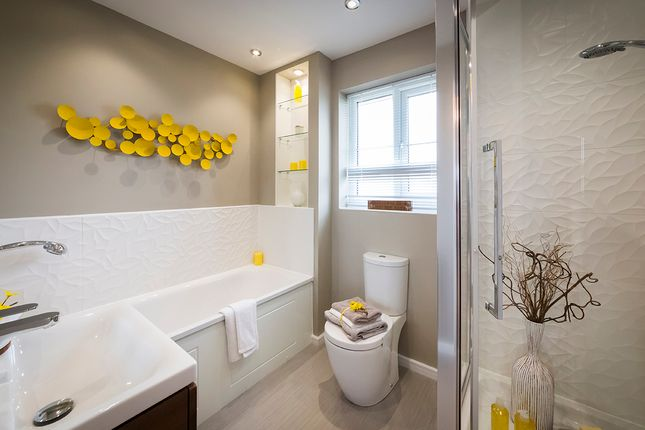 3 bedroom detached house for sale in Polletts Avenue, Brinnington Stockport