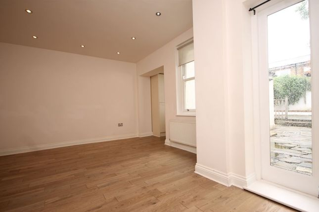 Thumbnail Property to rent in Grosvenor Park Road, Walthamstow, London