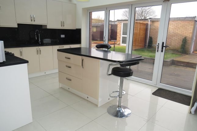 Thumbnail Terraced house to rent in St. Davids Close, Leamington Spa