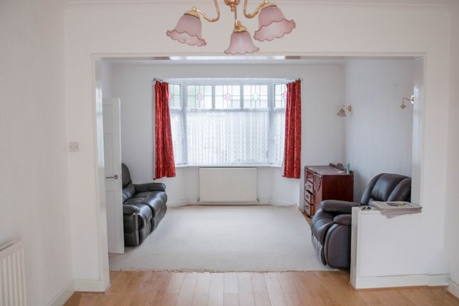 Thumbnail End terrace house to rent in Glenham Drive, Ilford