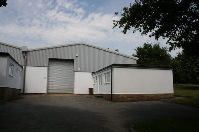 Thumbnail Warehouse to let in 11 Mill Lane Industrial Estate, Alton, Hampshire
