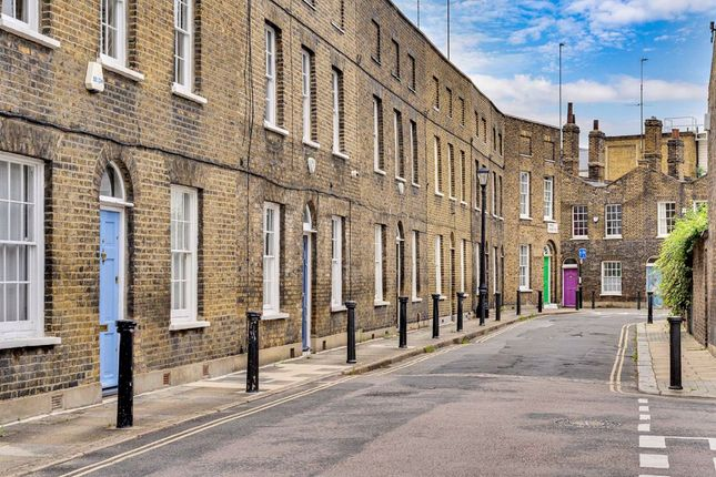 Thumbnail Property to rent in Theed Street, London