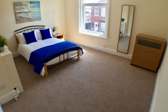 5 bed shared accommodation to rent in Kings Road, Gosport PO12