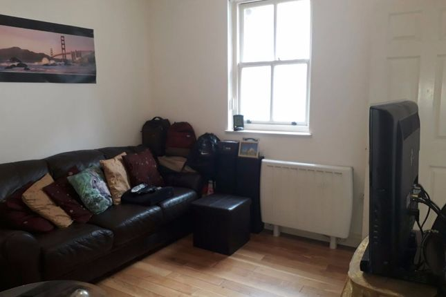 Thumbnail Flat to rent in Fore Street, Exeter