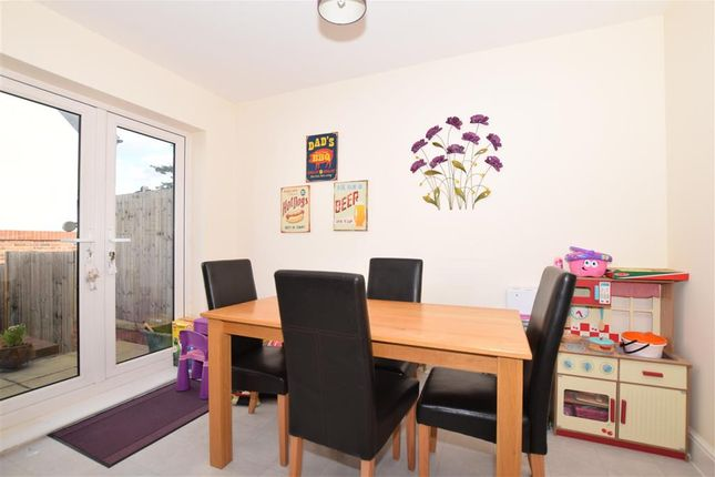 Thumbnail Town house for sale in Pinewood Close, Leybourne, West Malling, Kent
