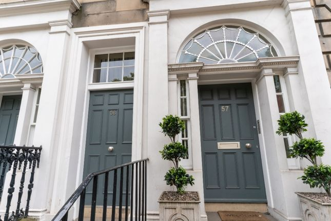 Thumbnail Flat to rent in Queen Street, New Town, Edinburgh