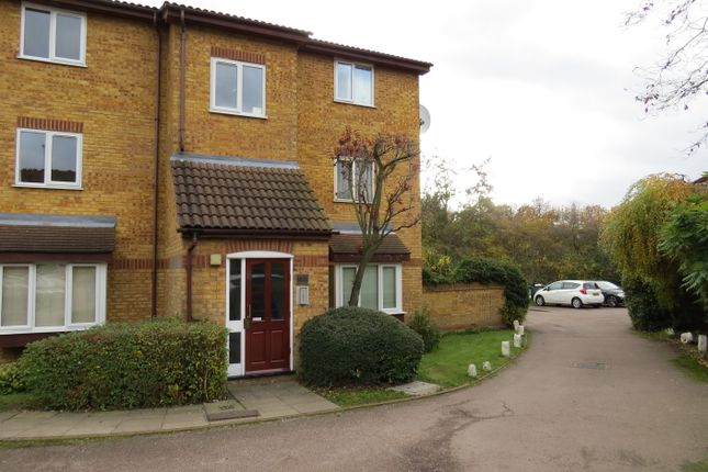 1 bed flat to rent in Greenway Close, Friern Barnet