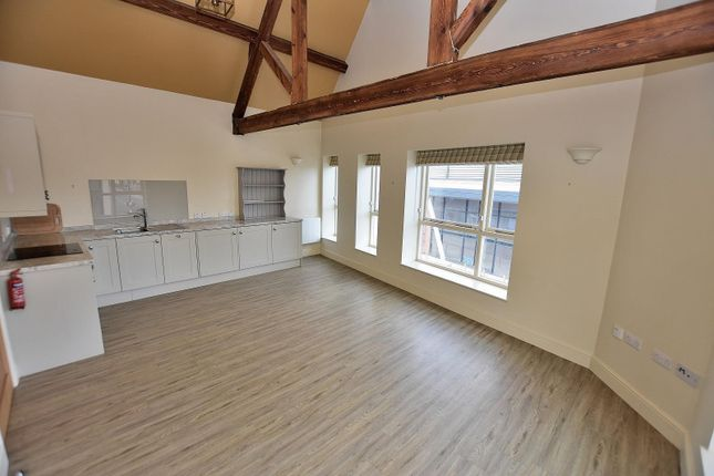2 bed flat to rent in Malt Mill Lane, Stafford ST16
