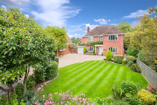 4 bedroom detached house for sale in Countess Wear, Exeter, Devon