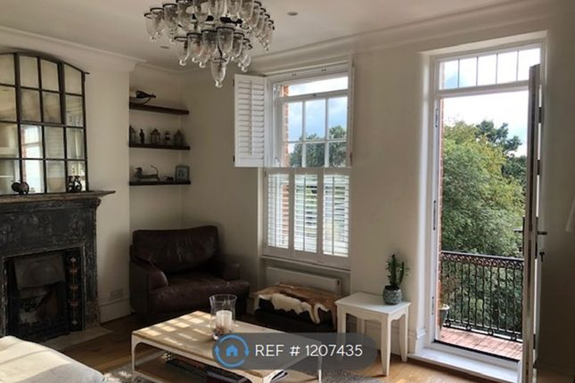 2 bed flat to rent in Fulham Palace Road, London SW6