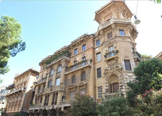 5 bed apartment for sale in Rome, Italy