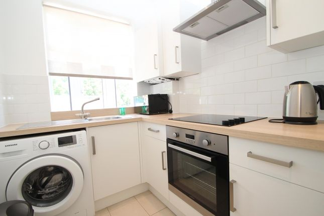 1 bed flat to rent in Upminster Road, Upminster RM14