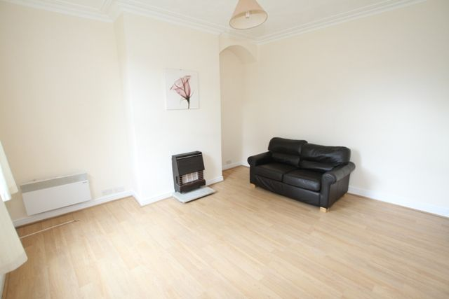 Thumbnail Terraced house to rent in Edgeware Place, Harehills, Leeds
