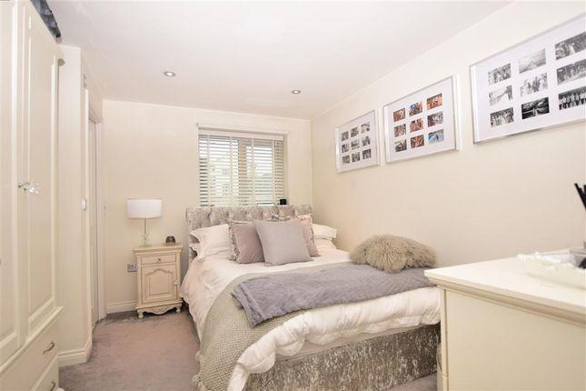 Thumbnail Flat for sale in Teddington Drive, West Malling, Kent