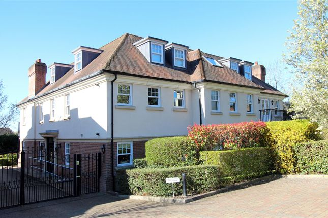 3 bed flat for sale in Georges Wood Road, Brookmans Park, Hatfield AL9