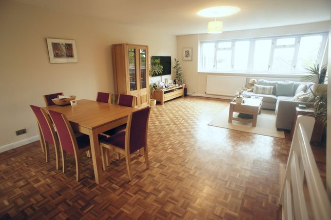 Thumbnail Town house to rent in Arabia Close, Chingford, London