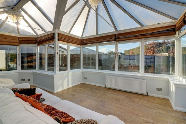 Thumbnail Detached house for sale in Dundas Crescent, Eskbank, Dalkeith