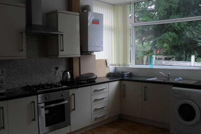 Thumbnail Shared accommodation to rent in Watling Street Rd, Preston