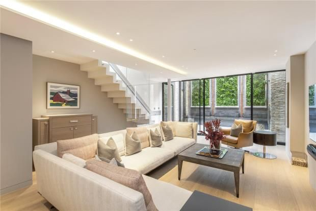 Thumbnail End terrace house for sale in Chapel Street, Belgravia, London