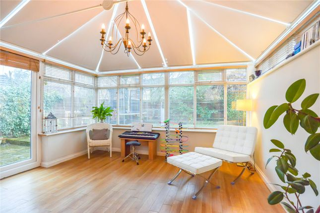 Family Room of Dowding Way, Leavesden, Watford WD25