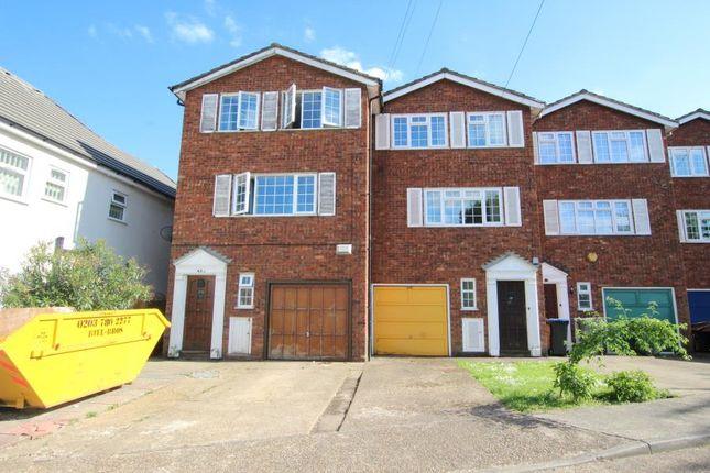 Thumbnail Town house to rent in Kenton Road, Harrow