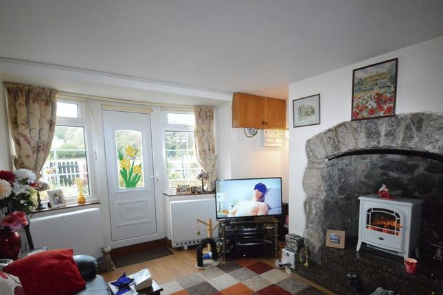 Lounge of Maes Y Coed Cottages, Afonwen, Mold CH7