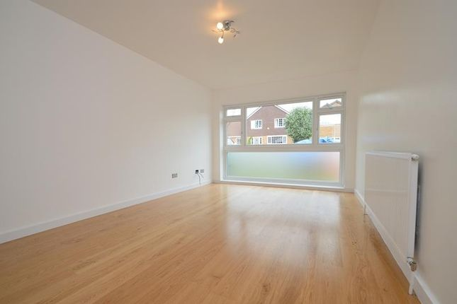 Thumbnail Detached house to rent in Three Oaks Close, Ickenham