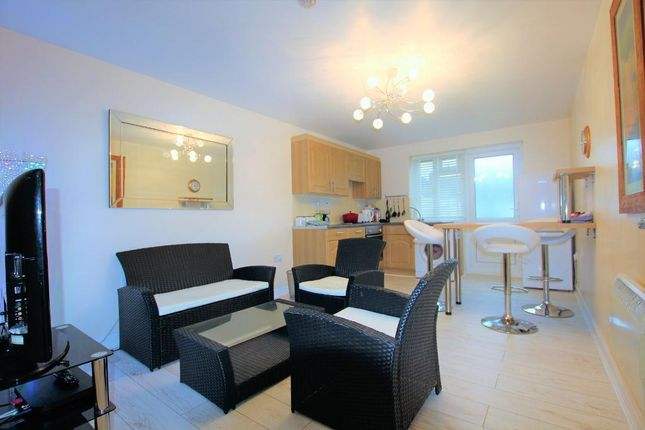 Thumbnail Flat to rent in Gammons Lane, Watford, Herts