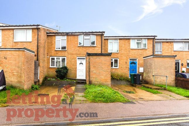 Thumbnail Terraced house to rent in Holland Close, Redhill
